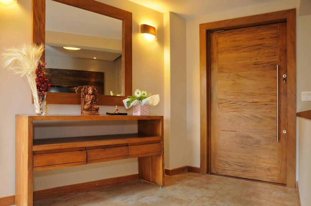 RESIDENCIA Martins Valente Arquitetura e Interiores Corredores, halls e escadas modernos