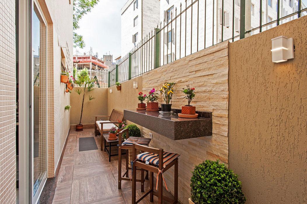 Patrícia Azoni Arquitetura + Arte & Design Balcones y terrazas de estilo tropical