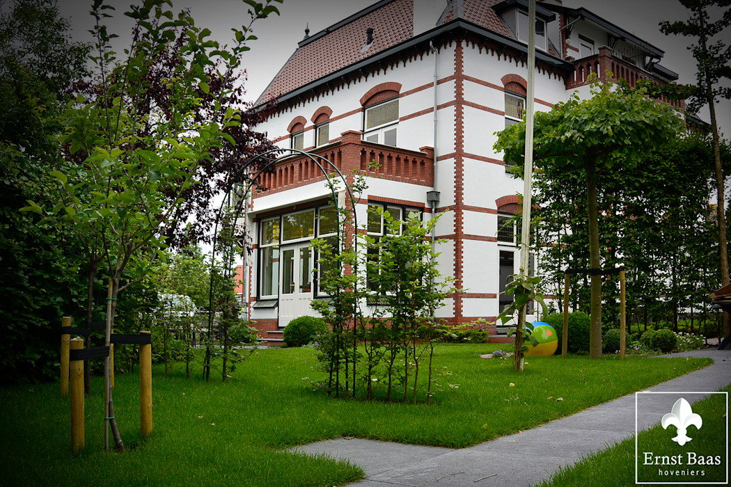 Ernst Baas Hoveniers B.V. / Ernst Baas Tuininrichting B.V. Jardines de estilo clásico