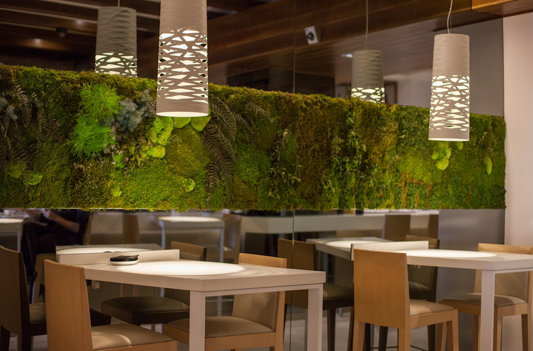 Mesas de madera de roble macizo. MUDEYBA S.L. Bares y clubs de estilo moderno Verde