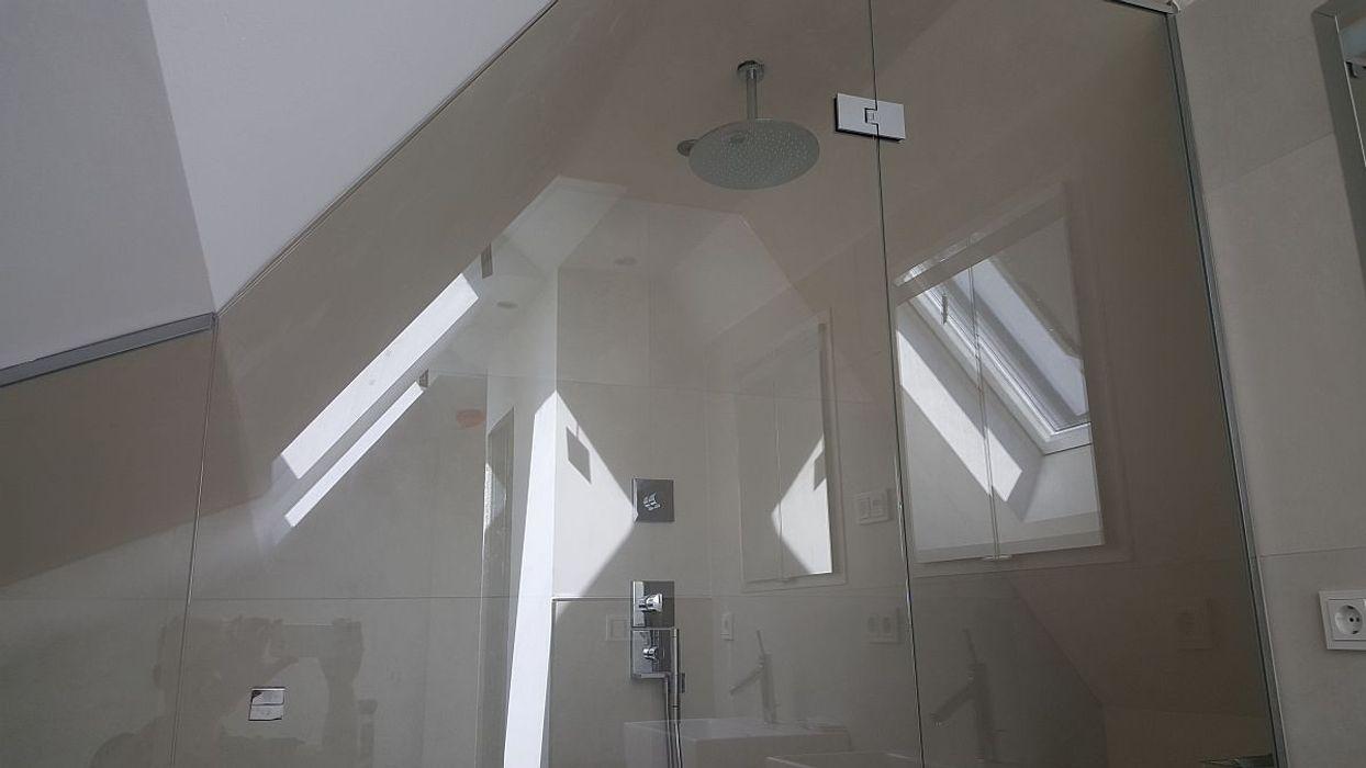 FD Fliesen GmbH Modern bathroom Glass