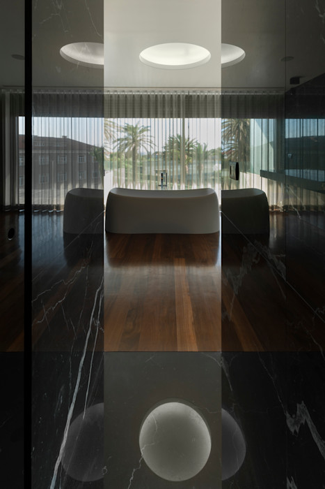 Apartamento na Foz do Douro ABPROJECTOS Casas de banho modernas