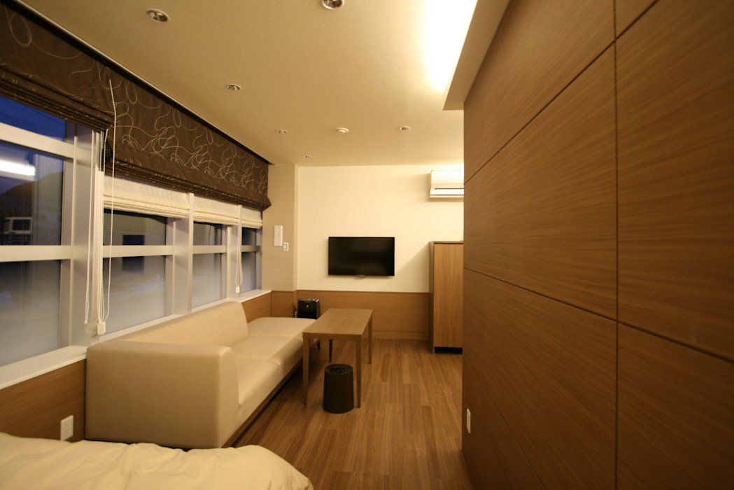 HLC Bed room 空想屋 (Koosoya Space Design Lab) モダンスタイルの寝室 木目調