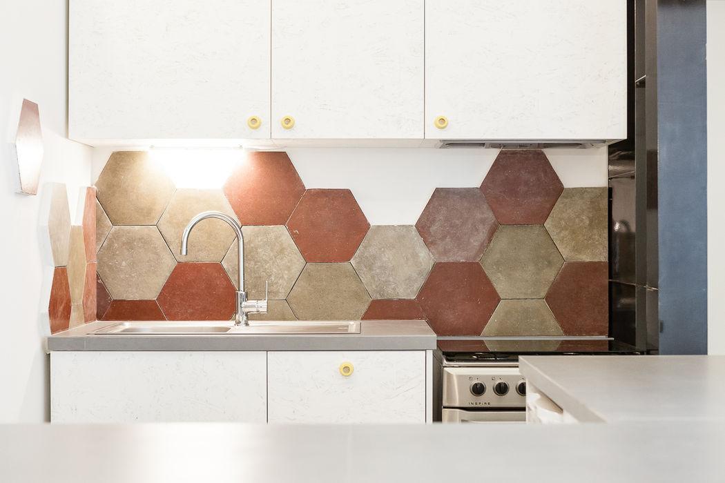 23bassi studio di architettura Nhà bếp phong cách chiết trung White