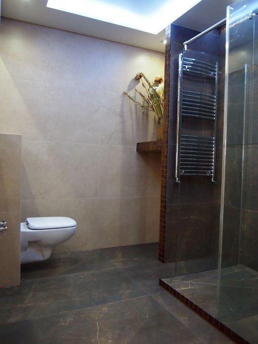 Z kabiną typu Walk-In bratbud Nowoczesna łazienka Ceramiczny Zielony