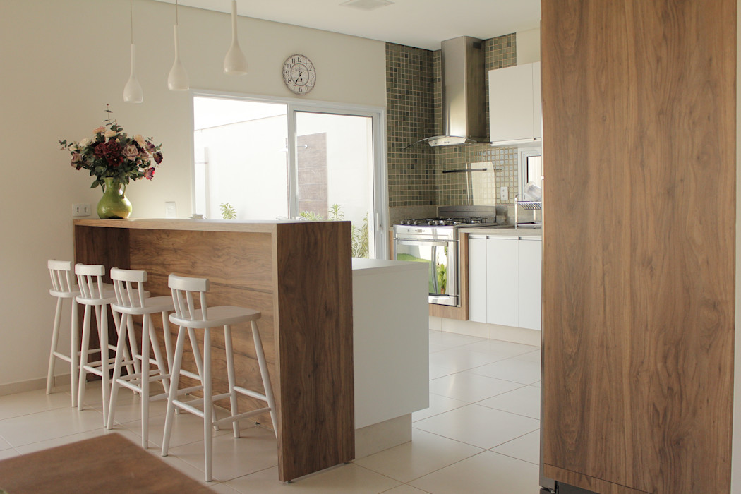 Casa TM Lozí - Projeto e Obra Cozinhas minimalistas