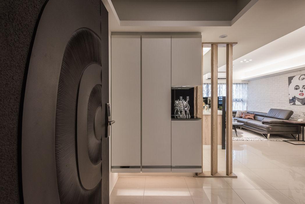 玄關 你你空間設計 斯堪的納維亞風格的走廊,走廊和樓梯