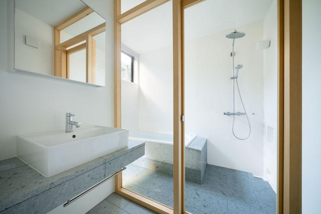 武蔵境の家 ディンプル建築設計事務所 モダンスタイルの お風呂