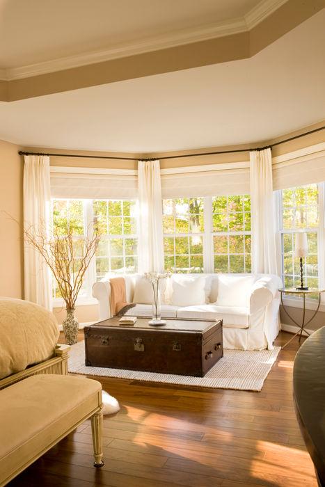 Lorna Gross Interior Design Спальня в классическом стиле Бежевый