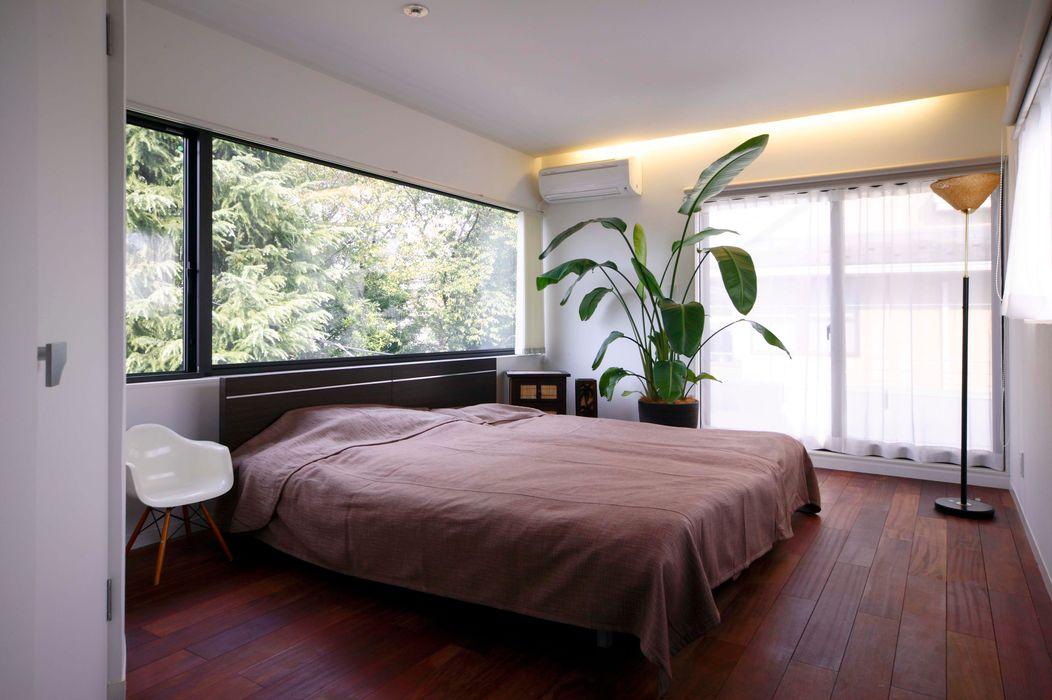 2階寝室 藤井伸介建築設計室 モダンスタイルの寝室