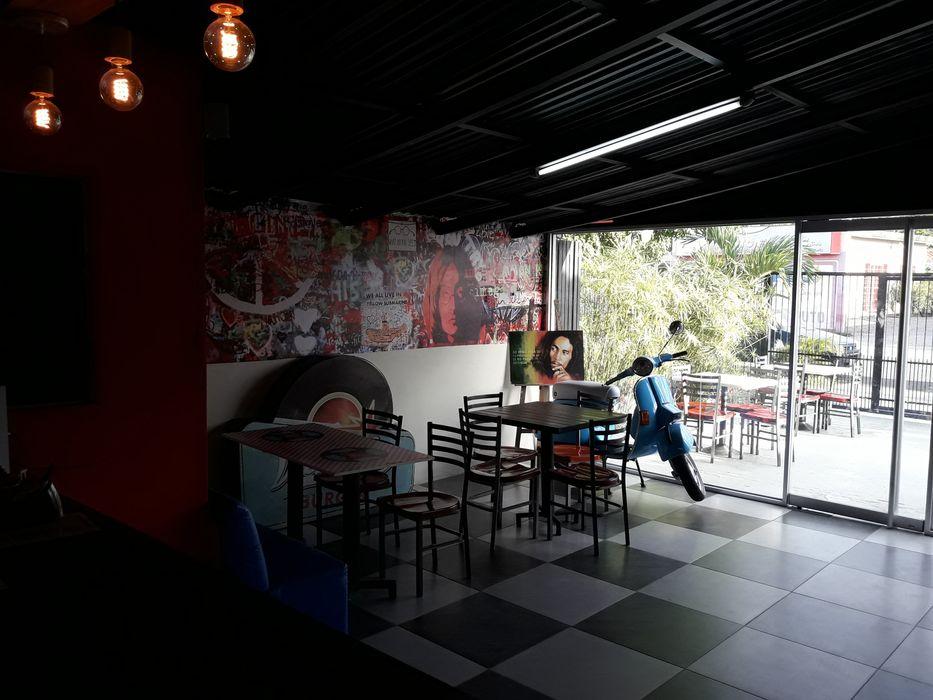 Techos y Lamparas Arq. Alberto Quero Restaurantes Aluminio/Cinc Negro