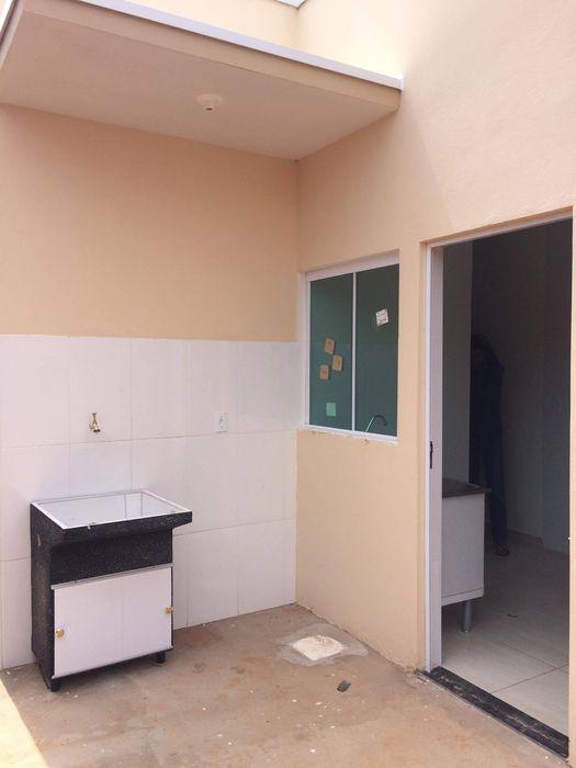 Guedes e Menezes Arquitetura + Engenharia Modern garage/shed