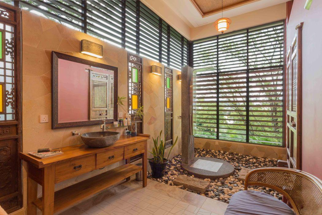 MJ Kanny Architect Tropische Badezimmer