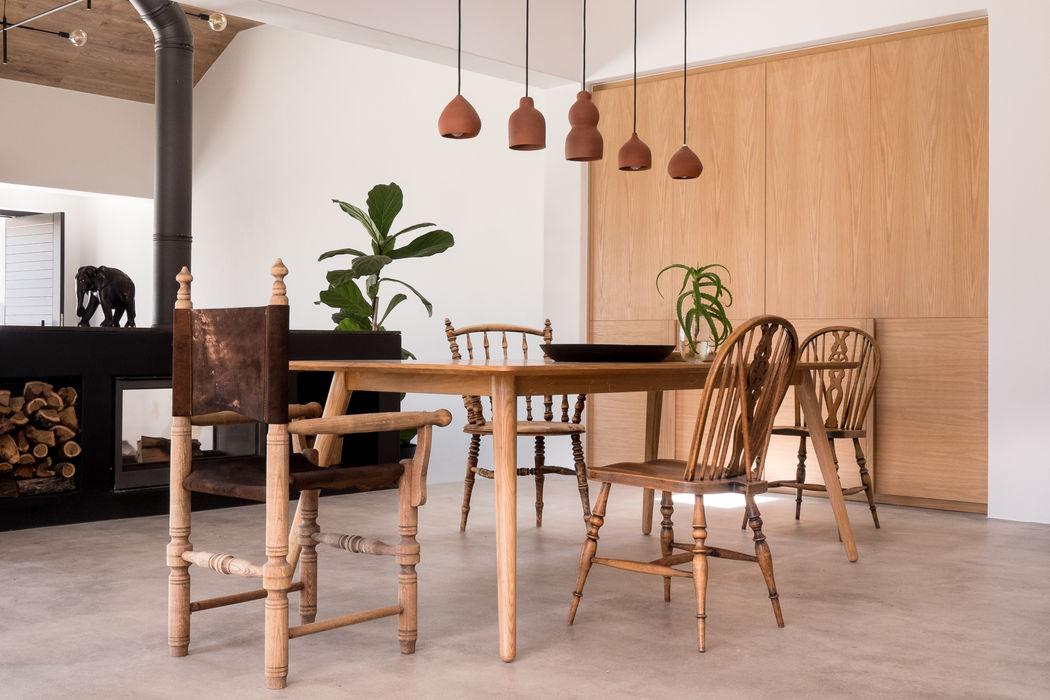 Project: Volstruis Ave, Yzerfontein de Beyer Design Studio Eclectic style dining room