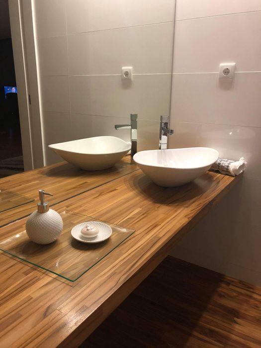 Casa de banho servico Fernando carvalho Casa de banhoDecoração Madeira maciça Acabamento em madeira