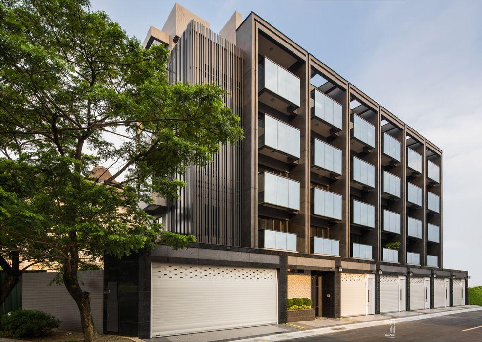 正立面幾乎都是玻璃.除了外觀美感外.最重要的室內空間的開闊度 竹村空間 Zhucun Design Offices & stores Granite Black