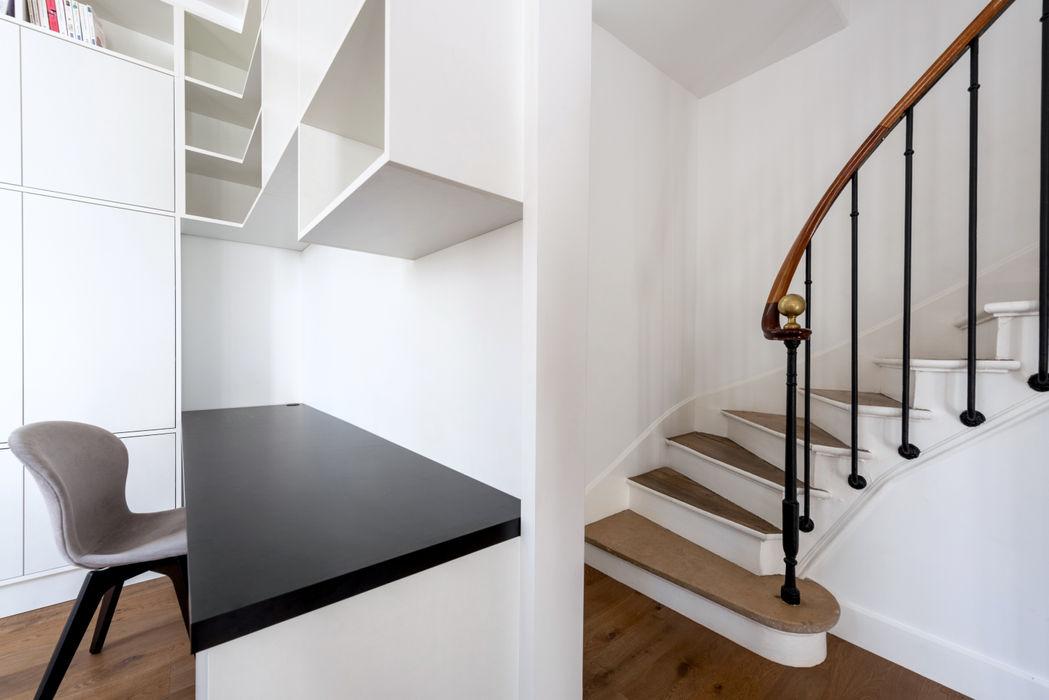 Anne Lapointe Chila Modern Corridor, Hallway and Staircase