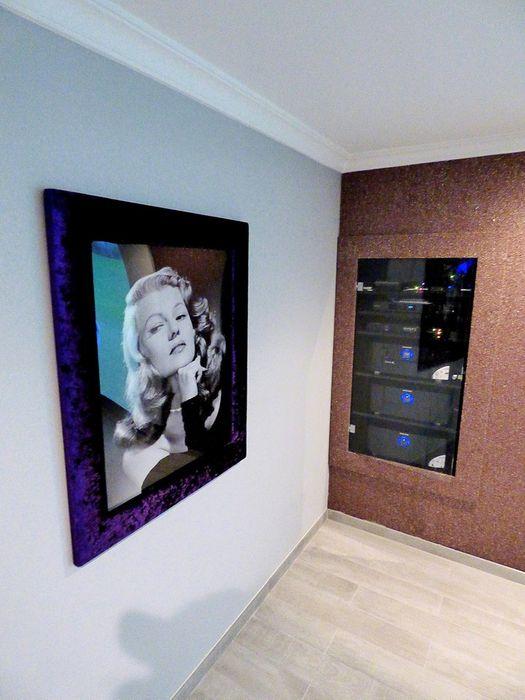 Projection Dreams / CUSTOM CINEMA 360 LDA Медиа комната в стиле минимализм МДФ Фиолетовый / Лиловый