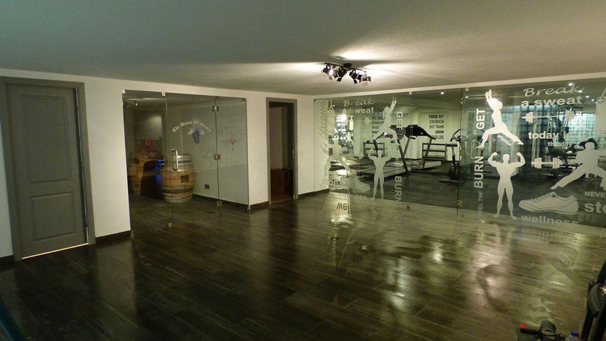 Projection Dreams / CUSTOM CINEMA 360 LDA Gimnasios domésticos de estilo moderno Azulejos Blanco