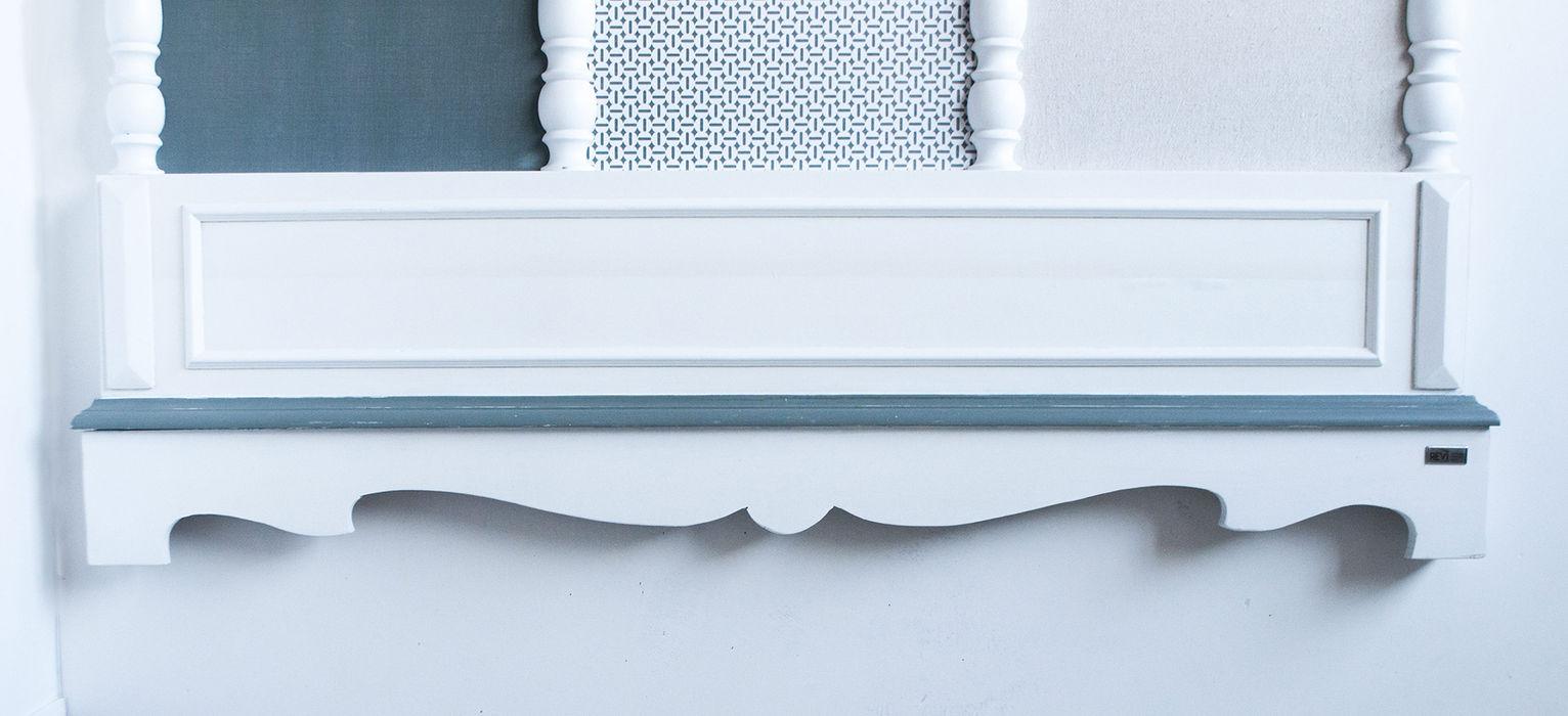 Almost green Revì Art - Upcycling Furniture Design Ingresso, Corridoio & ScalePortabiti & Guardaroba Legno Bianco