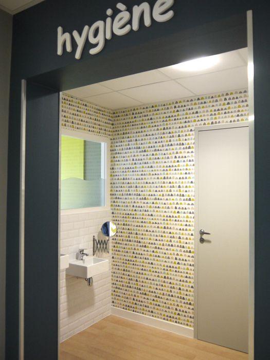 MIINT - design d'espace & décoration Eclectic style clinics Multicolored