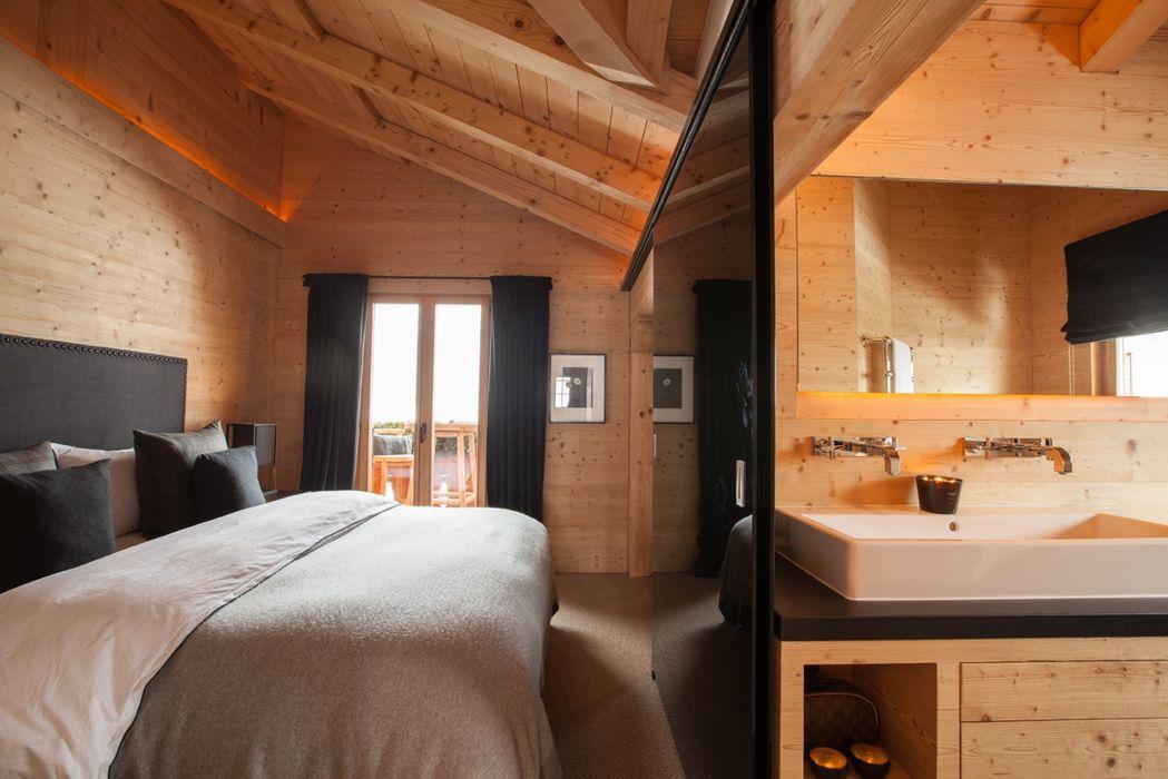 homify Dormitorios de estilo rústico Derivados de madera