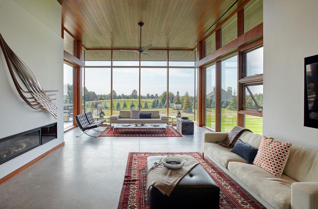 Custom Homes in Ontario Trevor McIvor Architect Inc Modern living room
