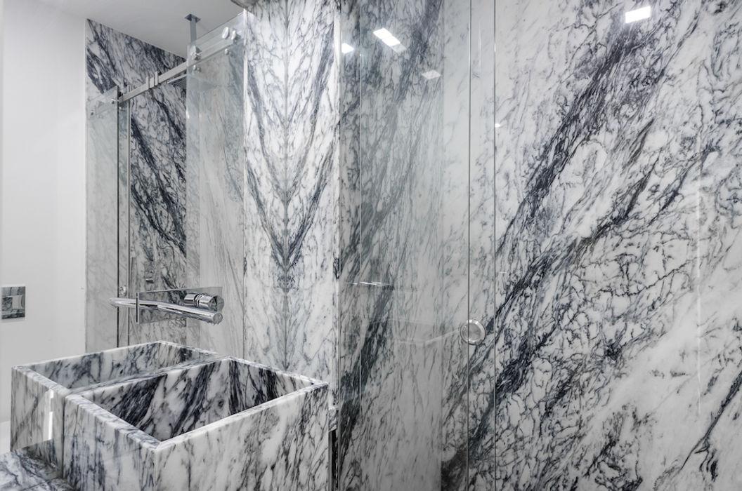 WC revestida a pedra Lisbon Heritage Casas de banho ecléticas
