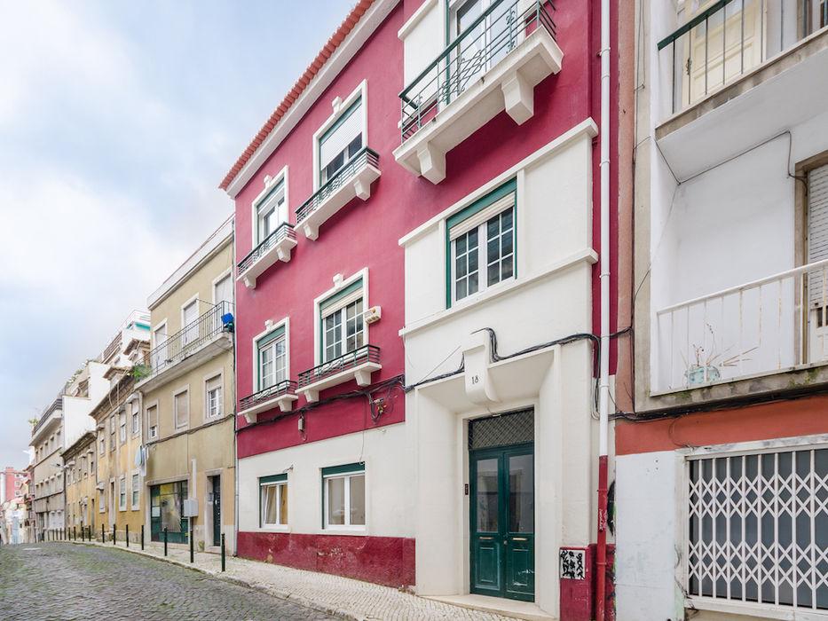 Fachada eclética Lisbon Heritage Casas rústicas