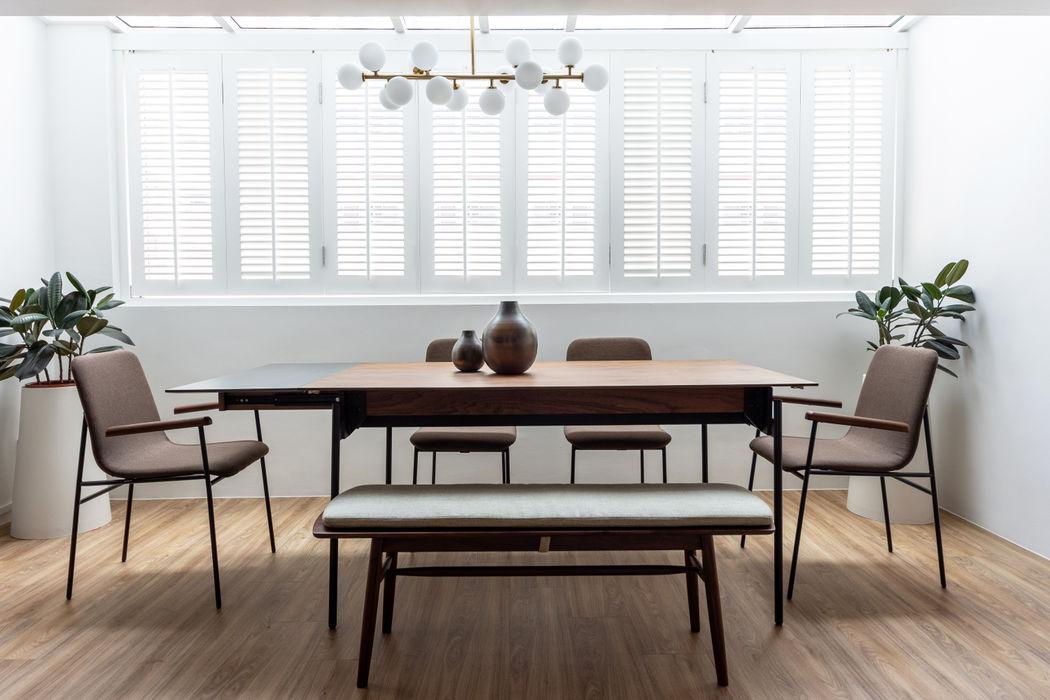Dining area Distinctidentity Pte Ltd Modern Dining Room