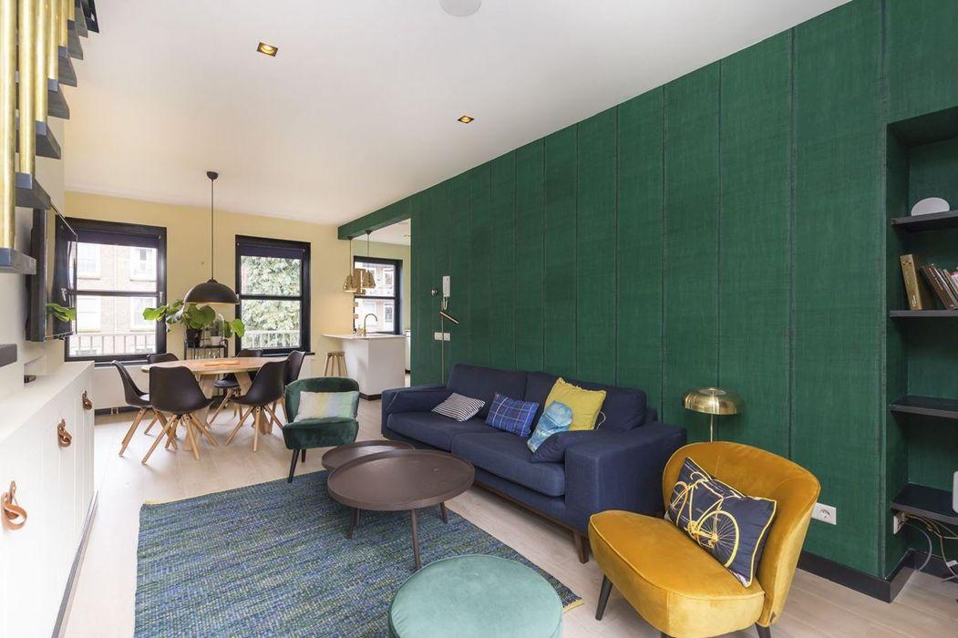 Emerald kitchen and living room Obradov Studio Eclectische woonkamers