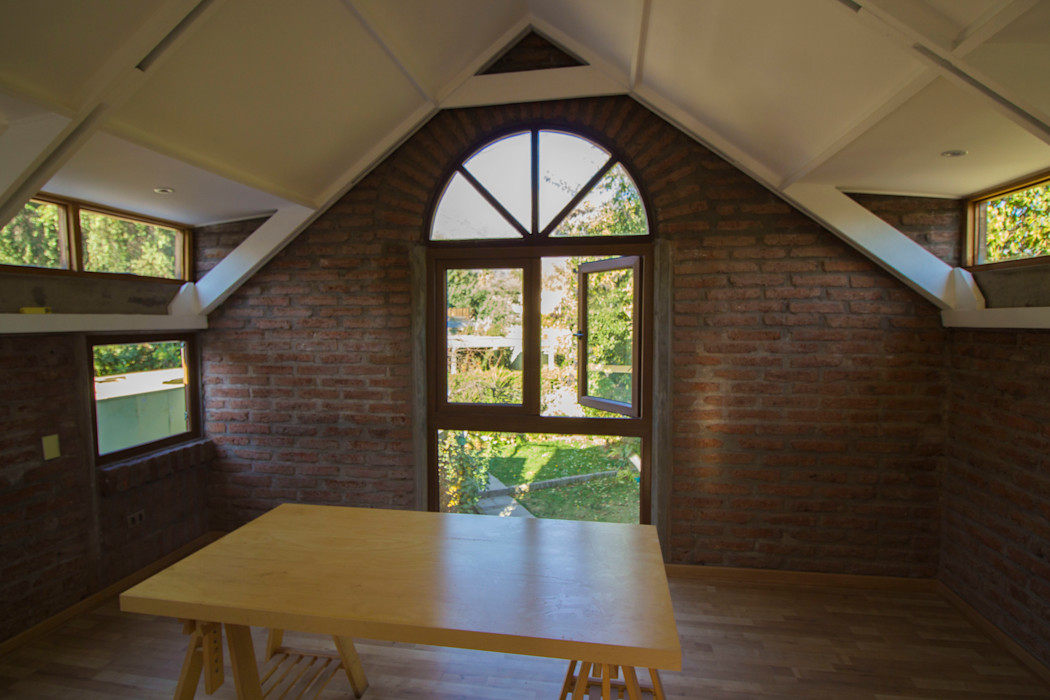 Remodelacion segundo piso, dormitorio y baño. arquitectura oficio spa Dormitorios pequeños