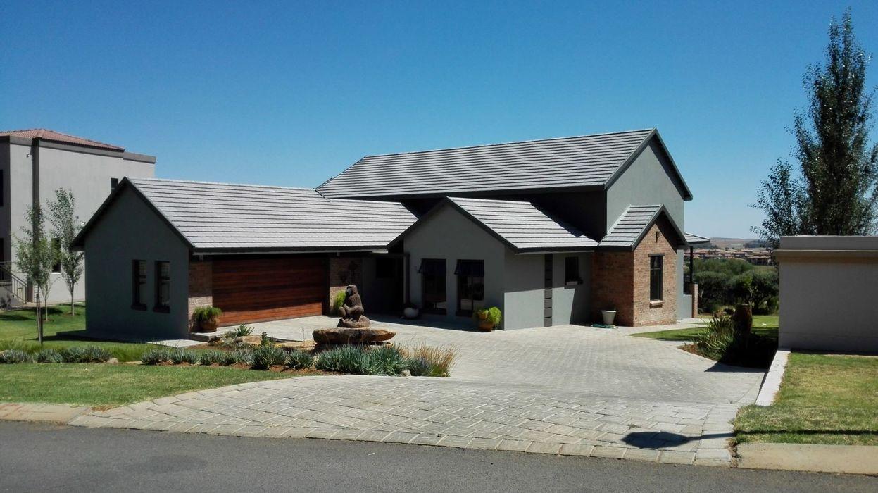 House Liebenberg HR Designs Country house