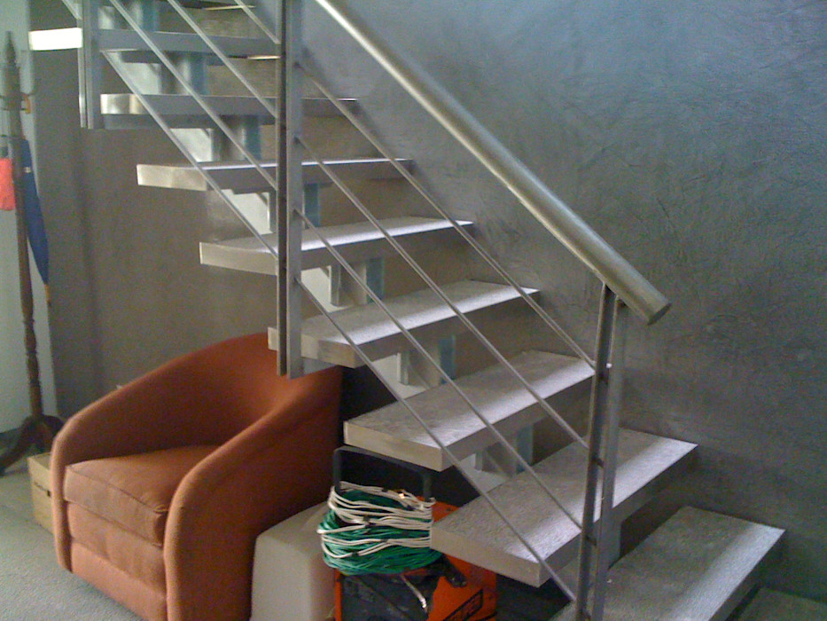 MADAN Arquitectos Stairs Marble Metallic/Silver