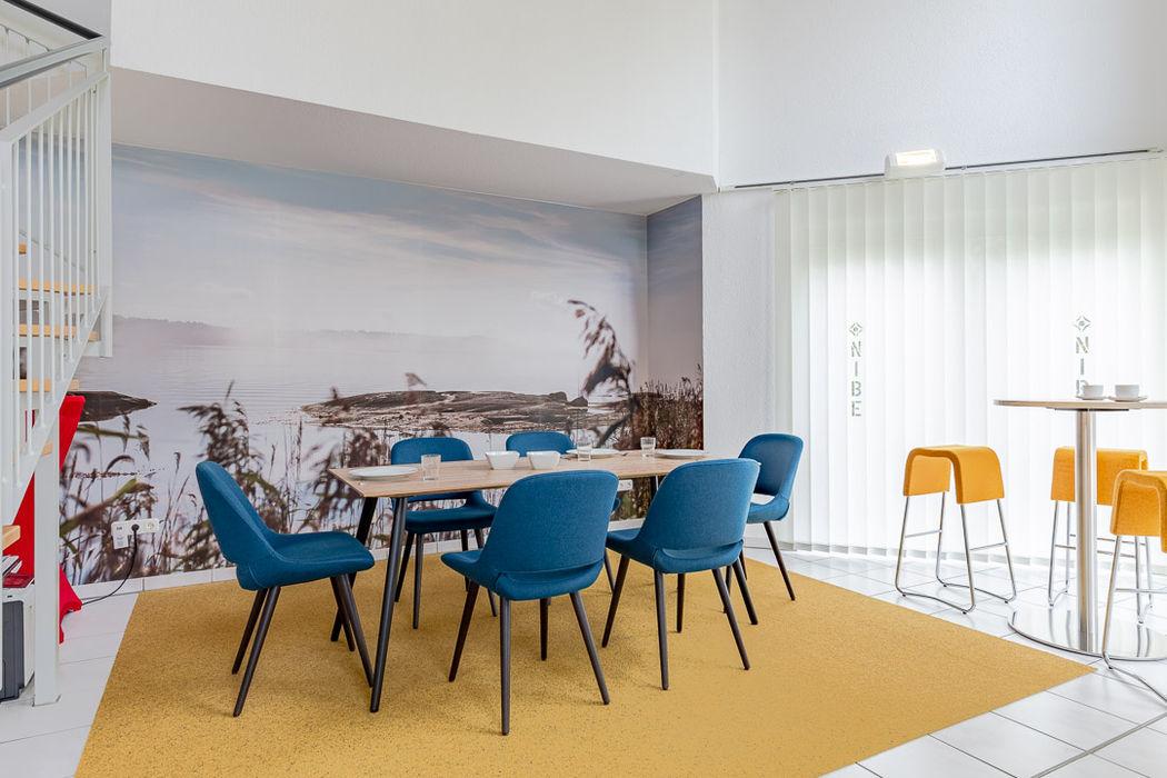 Nachher Cateringbereich - hyggelig! - Räume werden Teil der Unternehmenskultur Interiordesign - Susane Schreiber-Beckmann gestaltet Räume.