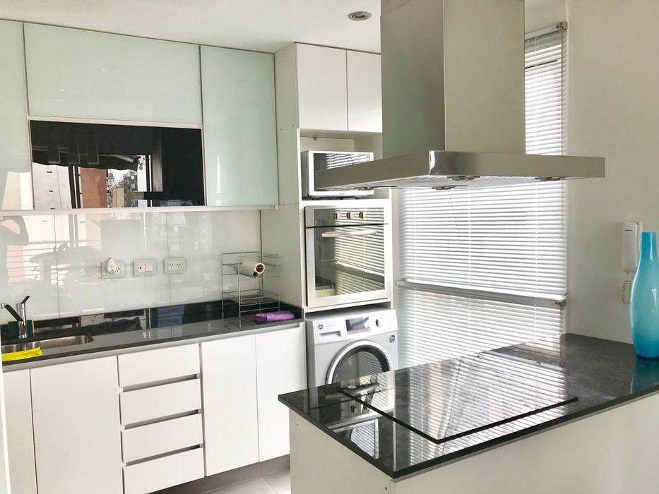 D4-Arquitectos Modern Kitchen Glass White