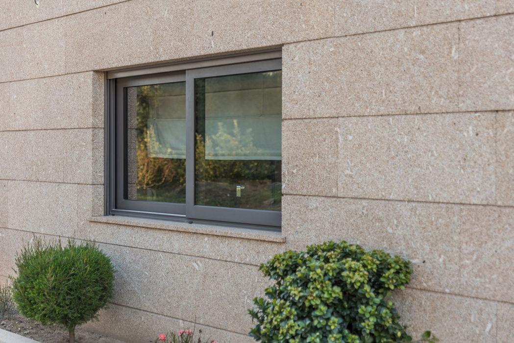 Mundartificial Металопластикові вікна Алюміній / цинк Чорний