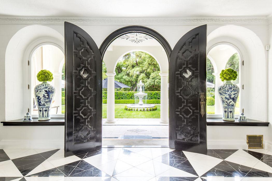 2018 Showcase House of Design – Grand Foyer Amy Peltier Interior Design & Home Classic style doors