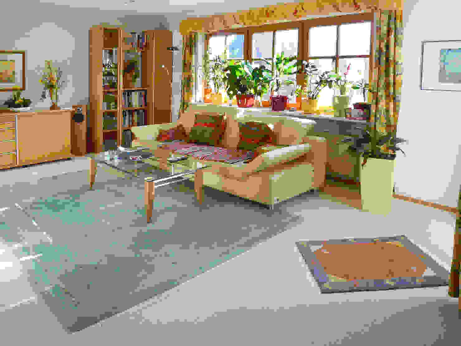 Vorher – nachher: Ein Wohnzimmer im modernen Landhausstil