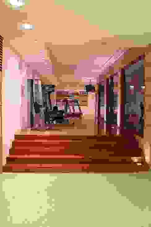 Fitness moderno por Architekten Graf + Graf Moderno