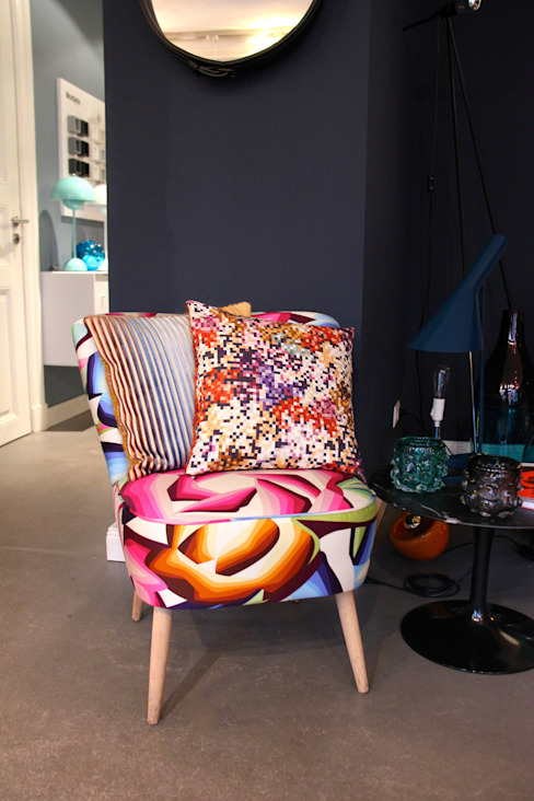 decorazioni Showroom Hamburg: modern  von decorazioni,Modern