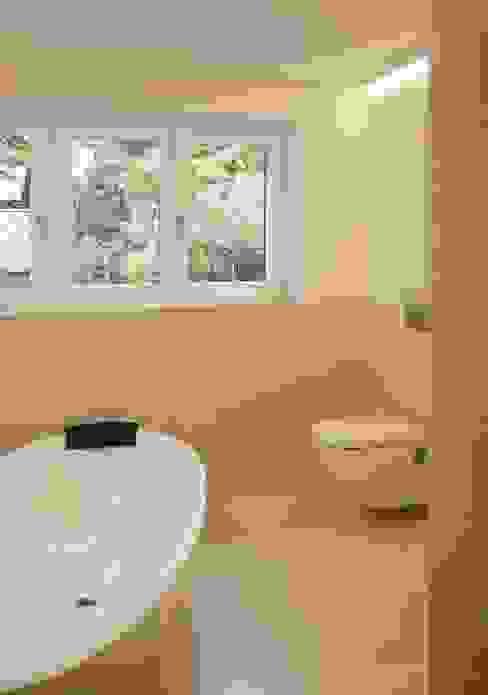 Privatwohnung Konstanz 2 Moderne Badezimmer von Peter Rohde Innenarchitektur Modern