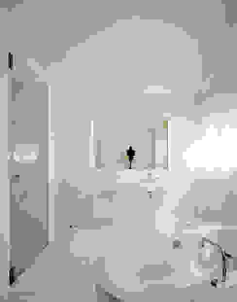 浴室 の Architektur & Interior Design