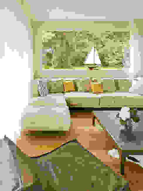 Moderne woonkamers van Innenarchitektur Berlin Modern