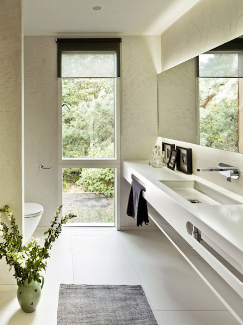 Moderne badkamers van Innenarchitektur Berlin Modern