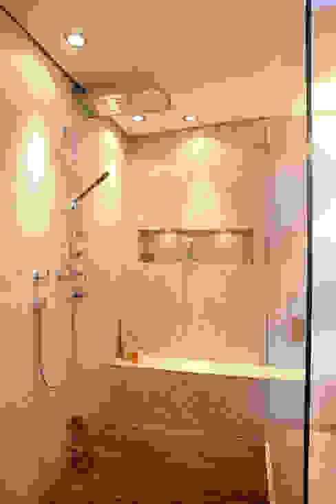 Ванная комната в стиле модерн от Design by Torsten Müller Модерн