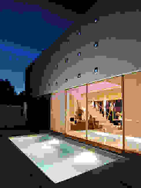 Piscinas de estilo moderno de LEICHT Küchen AG Moderno