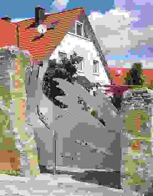 Stainless Steel Gates Jardines de estilo moderno de Edelstahl Atelier Crouse - individuelle Gartentore Moderno