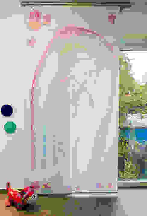 Fotovorhang für das Kinderzimmer: modern  von fotokasten GmbH,Modern