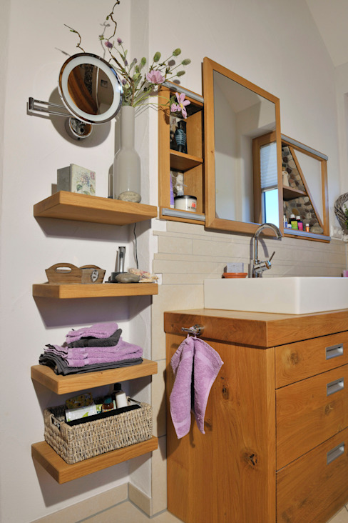 Bathroom by Schreinerei Deml GmbH